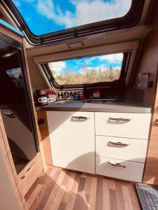 karavan-slide